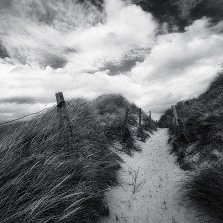 Sylt, Melanie Brunzel, Foto-Graefin, Sand, Düne, Dünengras, Weg, Wolken